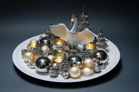 Juledekoration 2018 - sølv juledekoration med svane og fyrfadslys