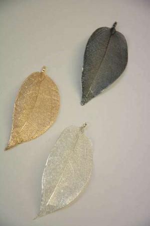 Smykkevedhæng - ægte blade i guld, sølv og oxideret sølv