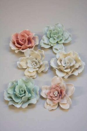 Blomsterhoved i porcelæn hvid-lysegrøn-lyserød