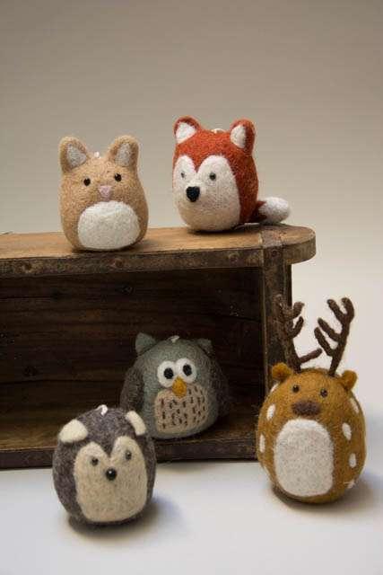 Filtet dyr. Filtede dyr. Dyrefigurer af filt. Søde filt dyr. Filt ræv. Filt ugle. Filt hjort. Filt hare. Filt mus.