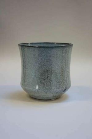 Blå potte af keramik. Keramik potte. Potteskjuler. Grå potteskjuler