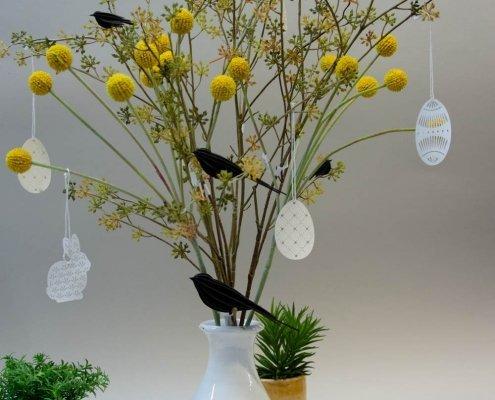 Inspiration til påske - vase med påskeophæng af papir