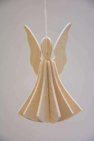 Lovi angel. 3D figur af træ. Engel til ophæng