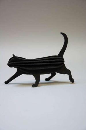 Lovi cat. Sorte kat. Kattefigur af træ. 3D kat.