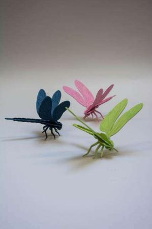 Lovi dragonfly. 3Dfigurer af guldsmede. Guldsmede af træ. Træfigurer af guldsmede