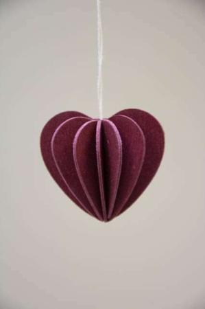 Lovi heart. Bordeaux hjerte af træ. 3Dfigur af hjerte