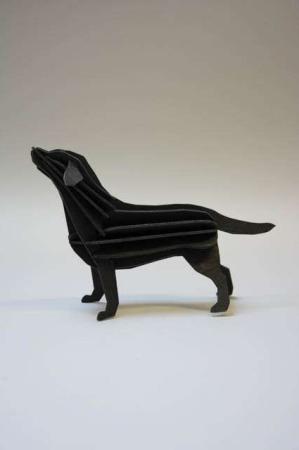 Lovi labrador. 3D labrador af træ. 3D hund af træ