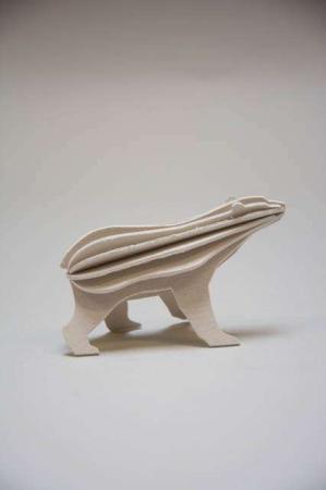 Lovi polar bear. Lille hvid isbjørn af træ. 3D isbjørn af træ
