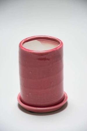 Lyserød keramik potteskjuler. Pink potteskjuler af keramik.