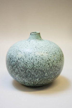 Rund vase af keramik. Vase fra svenske Lindform