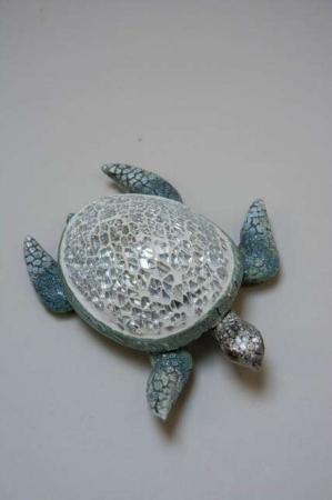 Skildpadde med skjold af mosaik