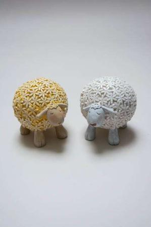 Blomstrede får af keramik. Gult påskelam. Hvidt påskelam