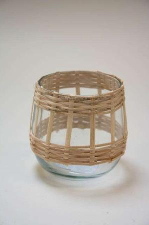 Lysestage med bambus. Lille lanterne af glas med bambus