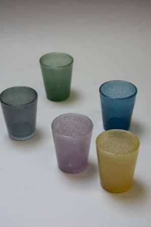 Mundblæst vandglas. Farvet glas. Fyrfadsstage af farvet glas (2)