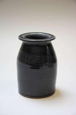Vase af keramik. Gråsort keramikvase.