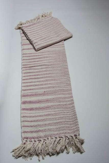497cf0c8c Rødstribet tæppe med frynser