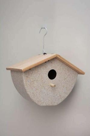Fuglehus til ophæng i bambus. Fuglehus med låg. Fuglehus med krog. Lille fuglehus i træ og bambus.