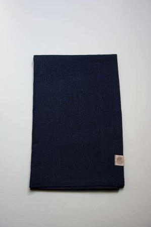 Mørkeblå bordløber af hør fra Kardelen. Blå bordløber til jul. Mørkeblå juleløber. Vævede tekstiler.