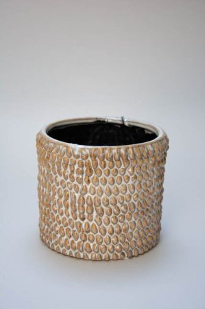 Sennepsgul potteskjuler i keramik. Bean urtepotteskjuler fra 2Have. Gul potteskjuler. Lysebrun potteskjuler til potteplanter. Keramikskjuler i sennepsgul.