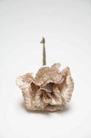 Hvid rose med glimmer - til deko. Dekoblomst med glimmer. Kunstig rose til juledekorationer. Kunstig blomst til æresport. Glimmerrose i velour. Julepynt i velour. Velour julepynt.