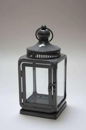 Antracitgrå lanterne. Mørkegrå lanterne. Lanterne til lyskæde. Lygte til stearinlys. Grå lanternelygte med hank.