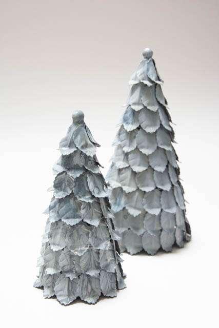 Juletræer i zink. Zink juletræ. Metaljuletræ. Juletræ i jern. Juletræ i metal. Skandinavisk julepynt. Nordisk julepynt.