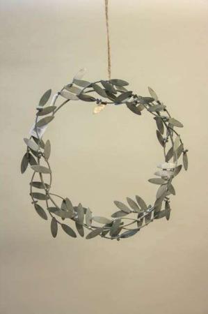 Misteltenkrans i zink - ophæng. Krans til fordøren. Julekrans til hoveddøren. Julepynt i zink. Metalkrans til julepynt.