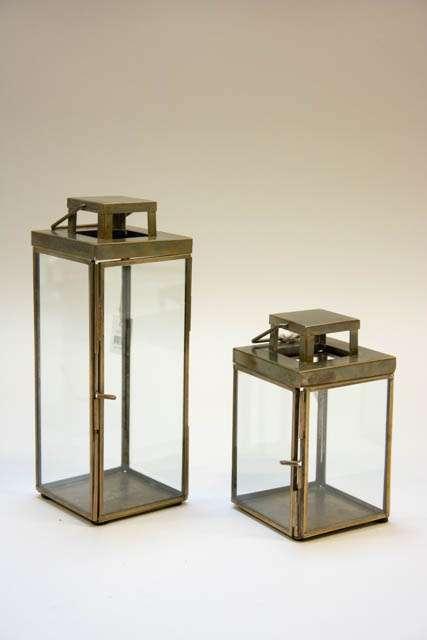 Slanke lanterner i messinglook. Lanterne i metal. Udendørs lanterne med glas.