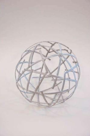 Dekorationskugle af metal til haven - kugle af jern fra 2Have