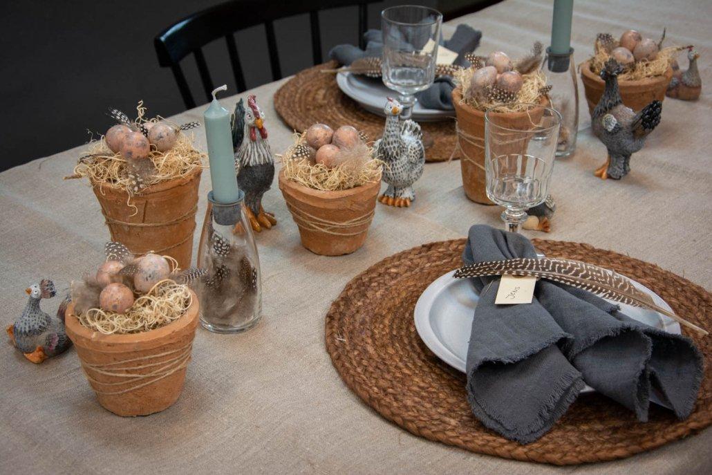 Moderne bordpynt til påske - jordfarver