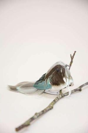 Deko fugl på clips - mørkegrøn. Dekorationsfugl med clips - blå og brun.