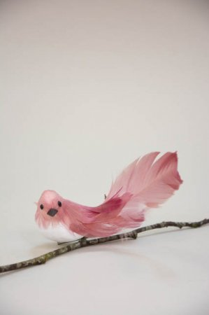 Deko fugl på clips - rosa. Dekorationsfugl med clips - lyserød.