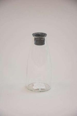 Flaskeformet lysestage af glas. Lysetage til påsken.