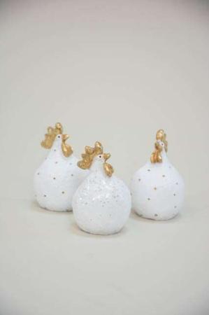 Hvid påskekylling med glimmer fra Nääsgränsgården. Glimtende påskefigurer
