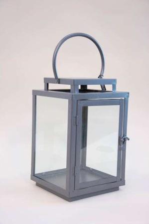 Klassisk lanterne med hank - Jern. Firkantet lanterne med glassider