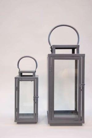 Klassiske høje lanterner med hank - Jern. Firkantede lanterner med glassider