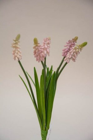 Kunstige blomster - perlehyacinter. Buket med kunstige hyacinter - lyserød rosa.