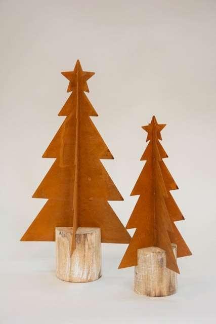 Deko juletræer af rusten jern