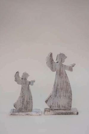 Engle figurer af træ