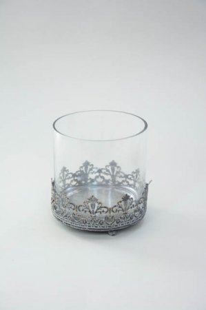 Fyrfadsglas med metaldekorationer. Elegant fyrfadsstage fra la vida