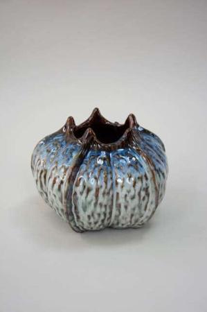 Lav blå keramik vase