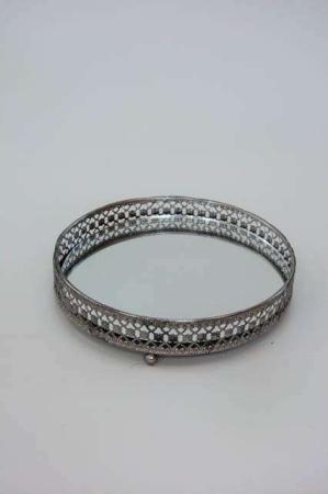 Rund spejlbakke irret sølv. Spejlfad i antik sølv look