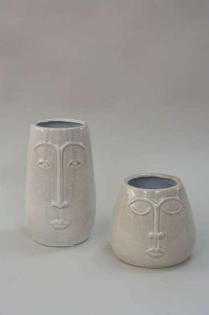 Sandfarvet keramik vase med ansigt - potteskjuler med ansigt.