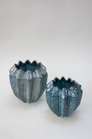 Stor keramik vase med blå glasur.