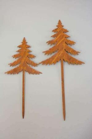 Juletræ på spyd af rusten jern