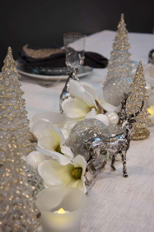 Juleborddækning 2020 hvid sølv og guld