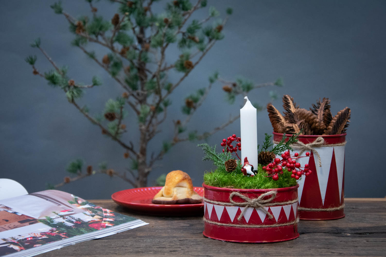 Lille juledekoration i kagedåse
