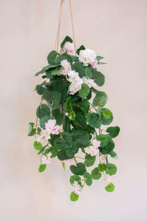 Kunstig rosa pelargonie