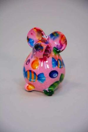 Sjov sparegris til børn og voksne - lyserød mus med bolsjer