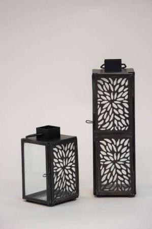 Lille lanterne med fint hul mønster